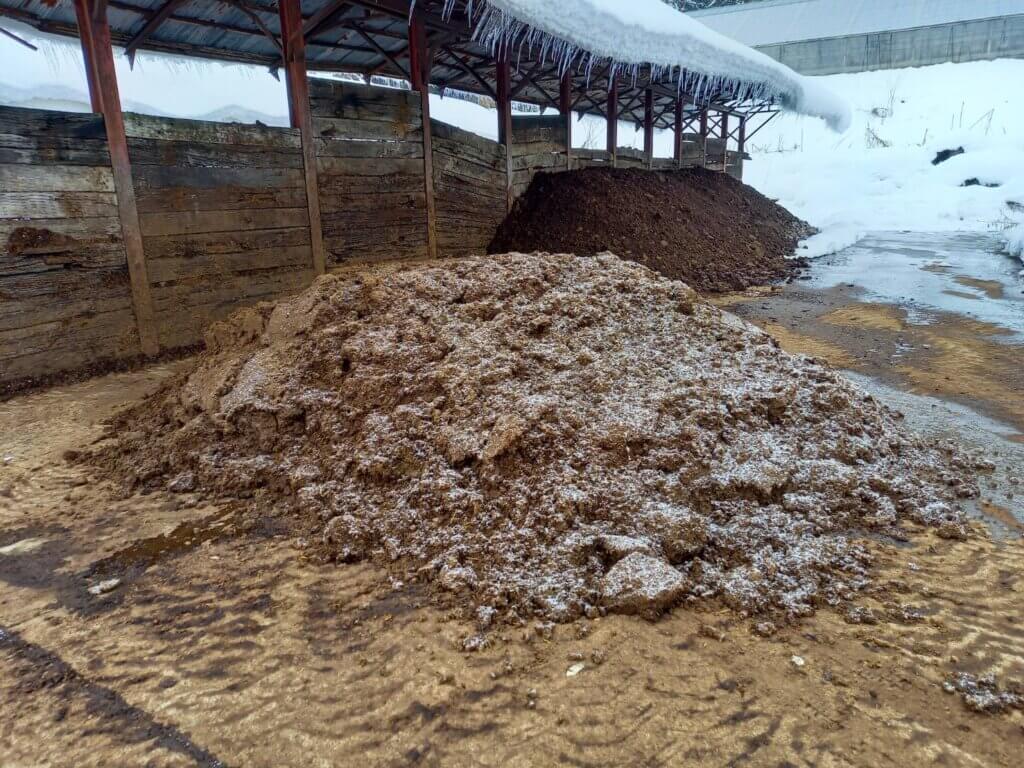 堆肥 一時堆積 水分